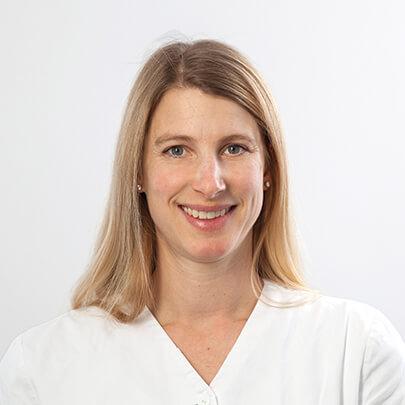 Dr. Britta Roth